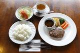ステーキセット(本日のスープ、サラダ、ヒレステーキ、ライスまたはパン)